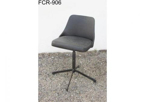 SET OF 5 DESK/ OFFICE CHAIRS.
